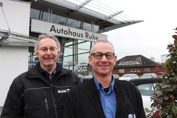 Gemeinsam seit 40 Jahren beim Autohaus Ruhe
