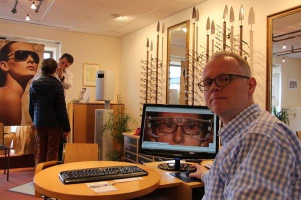 Schumacher verkauft auch Brillen in Holdorf