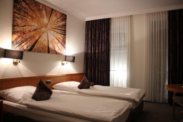 Acht Doppelzimmer im Rheinischen Hof renoviert