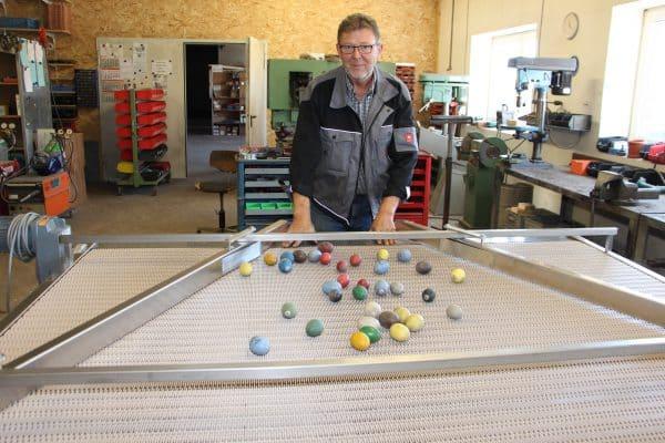 Elektrotechnik Stromann und Meiners baut Dosiertische für die Eierverarbeitung