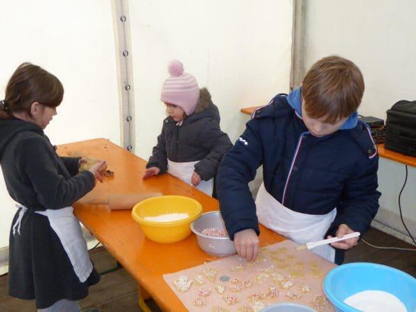Weihnachtsbäckerei an der Schweger Mühle