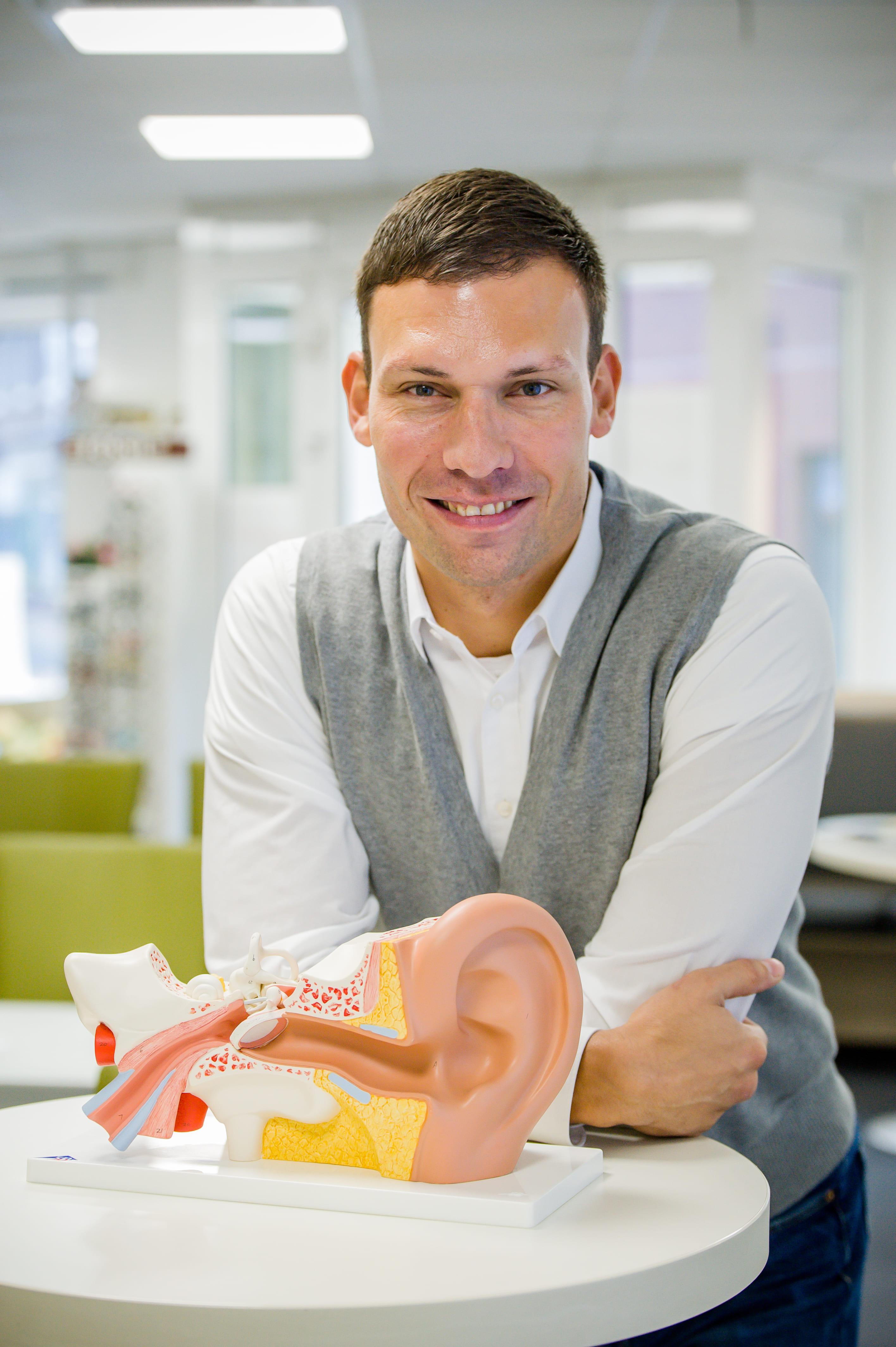 Augenoptik Und Hörsysteme Weiss Kostenloser Hörtest Und Beratung